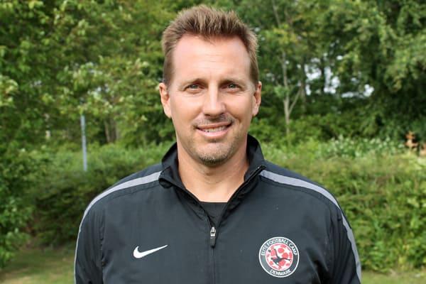 Bobby Johnston leder kvindefodbold-afdelingen på The IMG Soccer Academy.