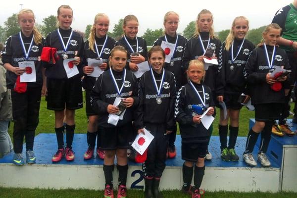 Karises U12-piger blev nummer to ved Pinsecup 2013.