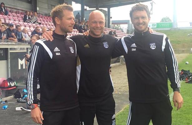 Træner-teamet bag EVN-pigernes imponerende sæson og udvikling gennem det seneste år. Fra venstre: Morten Andersen, Kristoffer Johannsen og Søren Madsen.